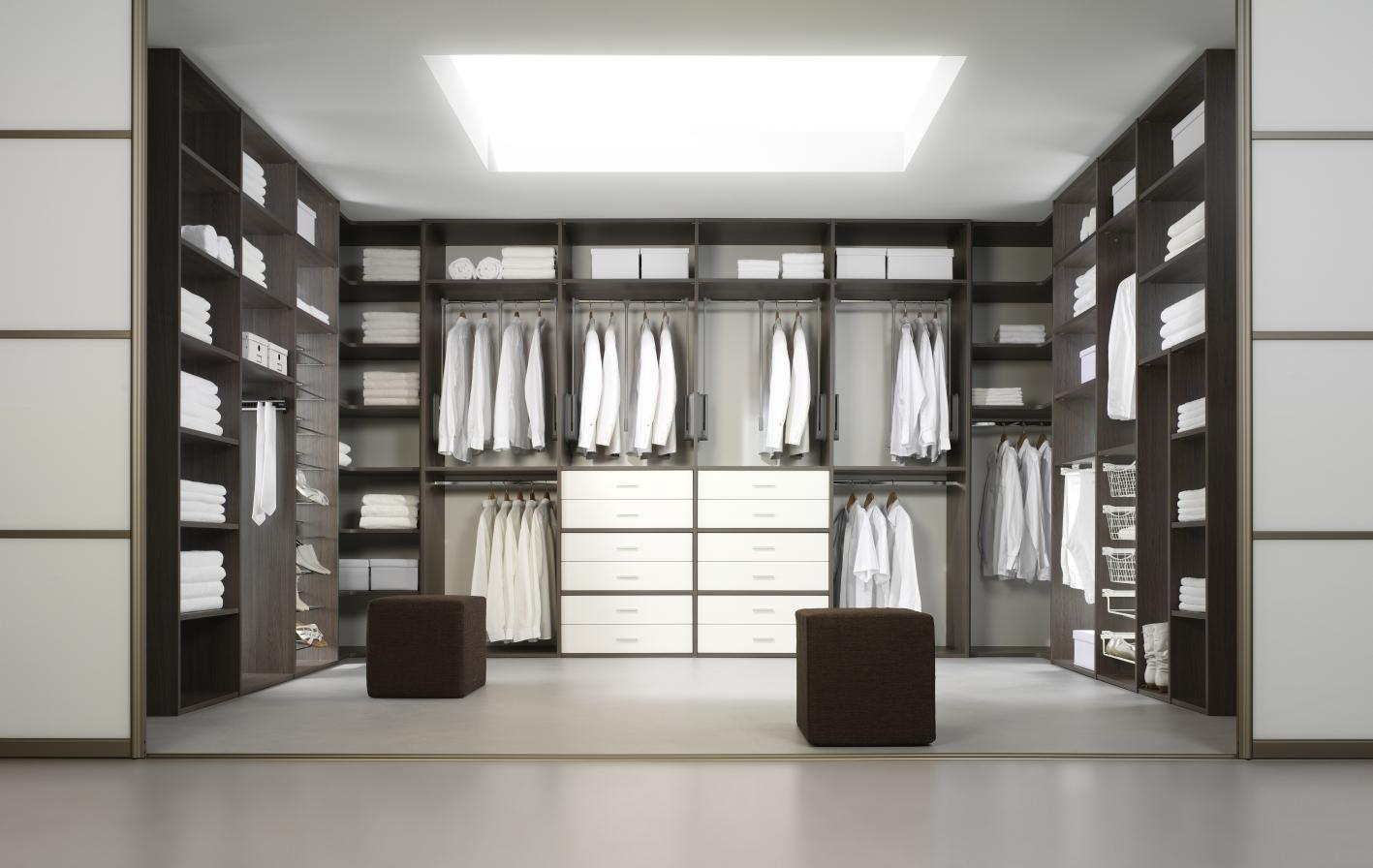 http://www.doehetzelfhetplein.nl/wp-content/uploads/2014/09/inloop-kast-kleding-slaapkamer.jpg